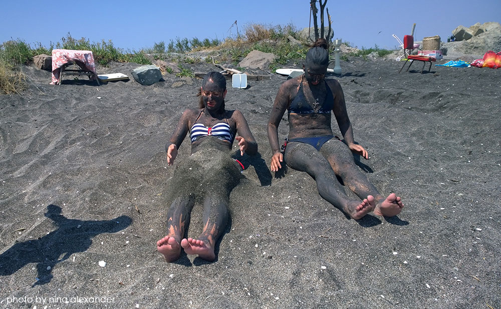 Covering with sand in Pomorie's mud baths