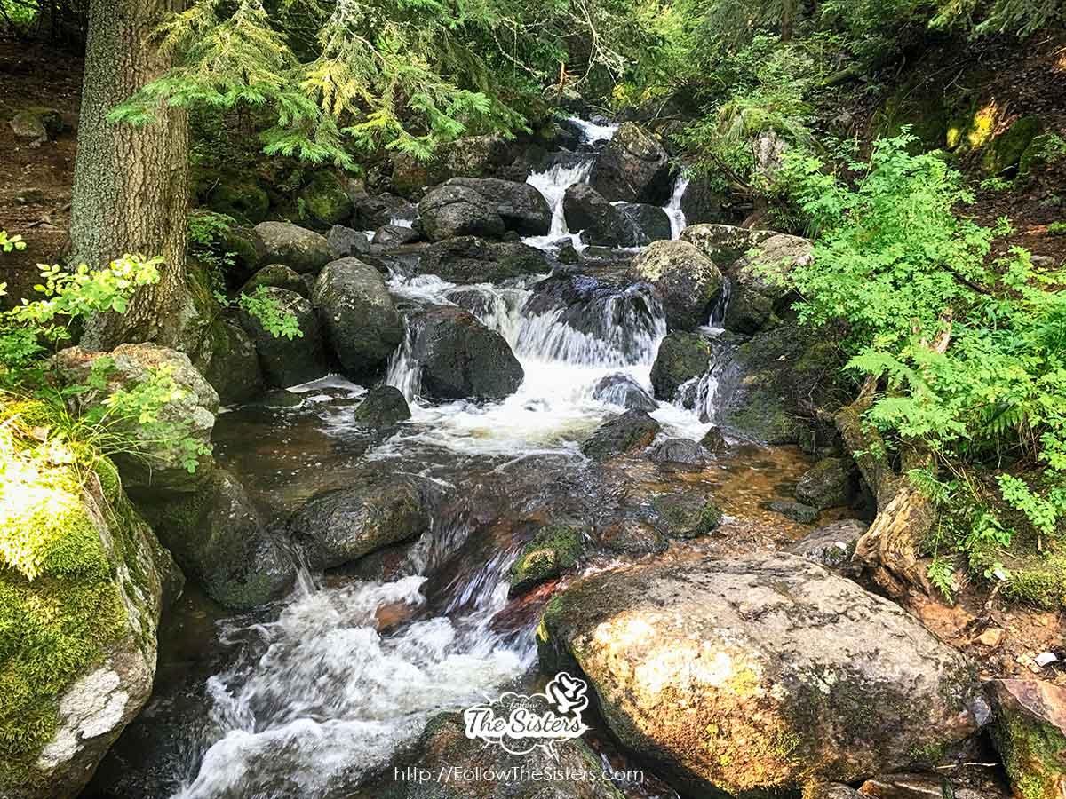 Waterfalls on the way to Cherni Vrah